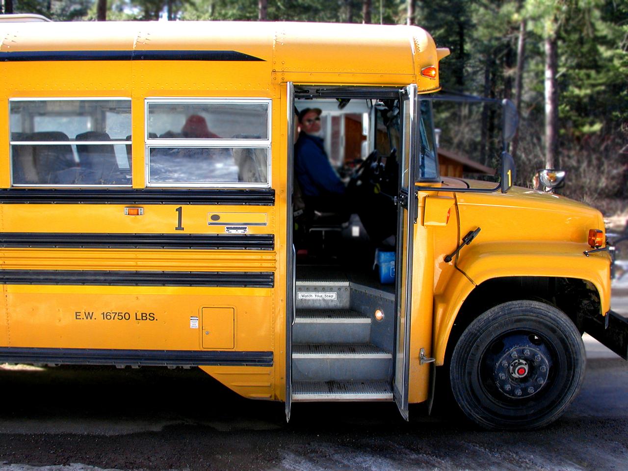 school-bus-1527162-1280x960.jpg